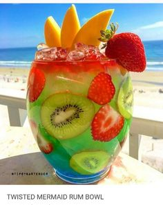 twisted mermaid rum punch bowl - endless weekend rum cocktails – Dont Monday M. - twisted mermaid rum punch bowl – endless weekend rum cocktails – Dont Monday My Sunday - Rum Cocktails, Liquor Drinks, Non Alcoholic Drinks, Fun Drinks, Yummy Drinks, Cocktail Recipes, Yummy Food, Delicious Recipes, Alcholic Drinks