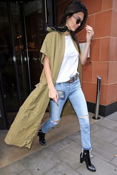 Kendall Jenner Is a Pro at Styling Ripped T-Shirts