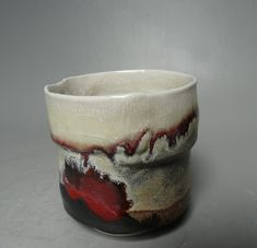 Eduardo Costantino- Rouge de cuivre et shino sur porcelaine. Copper red and shino on porcelain. Cone 9. 1280 °. Reduction fire.