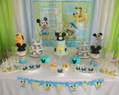 Mickey mouse birthday, mickey party, baby mickey cake, 1 year birthday part Baby Mickey Mouse Cake, Festa Mickey Baby, Mickey Mouse Clubhouse Birthday, Mickey Mouse Birthday, Minnie Mouse, Disney Parties, Mickey Mouse Parties, Mickey Party, Disneyland Birthday