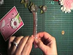 Fringed flower tutorial.  Lots of other paper crafted flowers too!