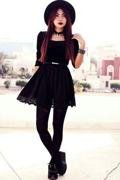 Cute goth style outfit ideas (4)