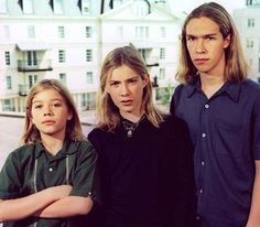 Hanson- They look pissed in this picture lol