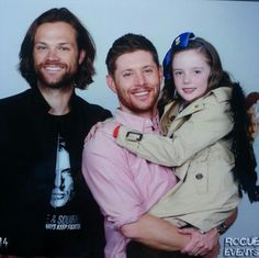 J2 with a young girl cosplaying Castiel! Awww!!