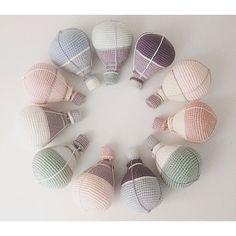 Så mange timers arbejde ser ikke ud af meget   #smaalopper#crochet#crochetfever#crocheting#hæklet#hækling#hæklerier#krea#hobby#yarn#crochetanimal#häkeln#virkat#hekle#hekling#crochettoy#crochetlove#hekledilla#craft#amigurumi#amigurumis#crochetaddict#handmade#hekle#virkning#virka