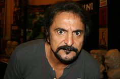 Tom Savini, legend in the horror makeup world, ive seen him a few times but have never approached him. Too intimidating! Horror Icons, Horror Films, Tom Savini, The Beautiful And Damned, George Romero, Django Unchained, Creeped Out, Horror Makeup, Star Wars