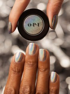 Our favorite thing to mix besides a drink 🍸. 'Mixed Metals'c⚙️🔩 from OPI Chrome Effects creates this holographic sheen.