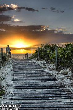 Beautiful nature, sunset and beach. Beautiful World, Beautiful Places, Beautiful Pictures, Beautiful Sunset, Landscape Photography Tips, Beach Holiday, Holiday Travel, Amazing Nature, Belle Photo