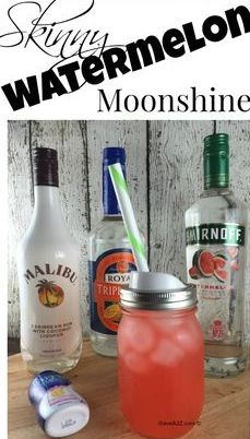 I have one of the best skinny Watermelon moonshine recipe s you will ever taste! It's a mix of Pink Lemonade, Watermelon Vodka, Triple Sec, and Malibu Rum! Watermelon Alcoholic Drinks, Skinny Alcoholic Drinks, Watermelon Wine, Alcoholic Shots, Alcoholic Desserts, Party Drinks, Cocktail Drinks, Fun Drinks, Mixed Drinks