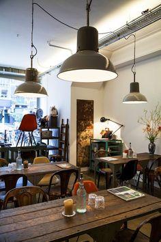 Harvest and company Amsterdam (Helmersbuurt) - een winkel als ontmoetsingsplek - steeds wisselend assortiment,  een koffiebar en er worden exposities en evenementen georganiseerd