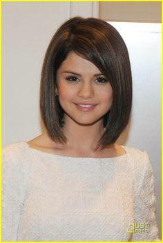 Shoulder length haircut, Selena Gomez