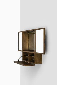 Very rare wall hanged cabinet 'Ung dame søkes' designed by Tove & Edvard Kindt-Larsen and produced by Gustav Bertelsen in Denmark