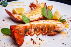 Instant Pot Quick Lobster - This quick recipe for the lobster tails is the best way to ensure perfect lobster every time. Instant Pot Quick Lobster 2 pound lobster tails (cut in cup tbsp butter tsp salt Arrange the trivet … Lobster Tails, Quick Recipes, Roast Recipes, Roasted Vegetables, Seafood Recipes, Lobster Recipes, Pot Roast, Instant Pot, Stuffed Peppers