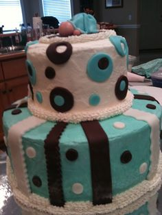 babyshower cake--by lisa and patty