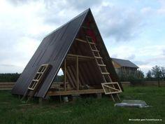 За 150 000 рублей как временное жильё, пока не построится дом, а дом, по заверениям автора, будет строиться очень медленно