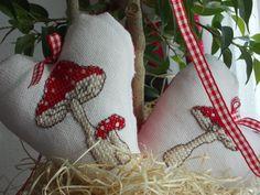 DIY cross stitch mushrooms Mushrooms, Christmas Stockings, Burlap, Cross Stitch, Reusable Tote Bags, Holiday Decor, Diy, Needlepoint Christmas Stockings, Punto Croce