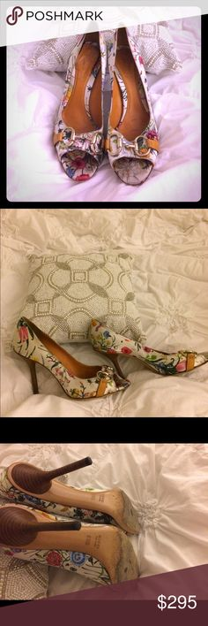 GUCCI FLORAL PEEP TOE HORSE BIT HIGH HEELS🌺🌺 🌺🌺🌺THESE GUCCI HEELS ARE AMAZING! The white with floral design and horse bit peep toe are amazing! Will have professionally cleaned. Serious buyers only. LOW BALLERS ARE NOT WELCOME.🎀 Gucci Shoes Heels