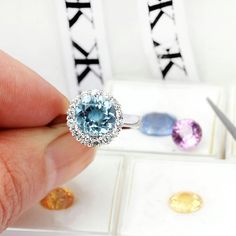 #diamondjewellery#jewellers#custommade#diamondringsmelbourne#bluesapphire#aquamarine#pinksapphire#colors#artdeco#jewellersmelbourne#engagementrings#cbdjewellers#collinsst www.kalfin.com.au