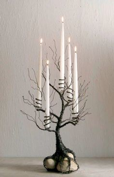 Wire, Rocks & Candles Good ideas for my Halloween Tree! Recycle Reuse Renew Mother Earth Projects: How to make Tree Branch Candle holder for Halloween 40 Extremely Clever DIY Candle Holders Projects For Your Home homesthetics decor. Here, rocks, wire, and Holidays Halloween, Halloween Crafts, Halloween Decorations, Halloween Candles, Halloween Weddings, Halloween Ornaments, Halloween Trees, Halloween Table, Halloween Costumes