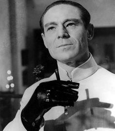 007 Bond Villian - Dr Julius No (Dr No)