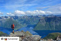 Helgen ser lovende ut. #reiseliv #reisetips #reiseblogger #reiseråd  #Repost @turvenner (@get_repost)  Skårasalen 1542 moh   SUNNMØRE