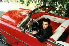 Elvis Aaron Presley Forever Beautiful😍😍😍😍😍😍😍😍😍In Cad King Elvis Presley, Graceland Elvis, Elvis Presley Family, Elvis And Priscilla, Elvis Presley Photos, Priscilla Presley, Rock And Roll, Are You Lonesome Tonight, Young Elvis