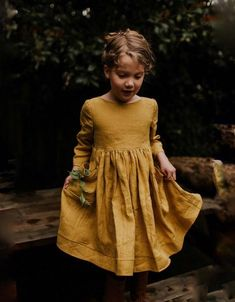 Mustard linen girls dress with pockets and buttons down the back sizes months through teen size - The most beautiful children's fashion products Little Girl Fashion, Little Girl Dresses, Kids Fashion, Girls Dresses, Toddler Fashion, Look Retro, Linen Dresses, Kind Mode, Outfits For Teens