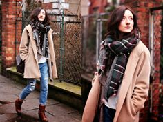 Zara Jeans, Stradivarius Wedges, Vintage Coat, perfect go-to errand day outfit
