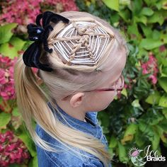 Woven spider web hairstyle, this is so intricate and cool looking! This style would definitely impress your friends for Halloween or crazy hair day! Easy Toddler Hairstyles, Super Cute Hairstyles, Quick Hairstyles For School, Creative Hairstyles, Little Girl Hairstyles, Braided Hairstyles, Wacky Hair Days, Crazy Hair Days, Vampire Hair
