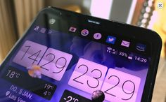 """Bộ đôi điện thoại mới được HTC ra mắt ngày 12/1 có màn hình lớn, thiết kế mỏng với khung kim loại.   HTC gửi thư mời sự kiện ra mắt smartphone mới vào ngày 12/1. Ẩn ý được nhà sản xuất Đài Loan nhắc đến là chữ """"U"""" và nguồn tin của PhoneArena cho rằng sản phẩm sẽ có tên HTC U Ultra và...  http://cogiao.us/2017/01/11/bo-doi-smartphone-sieu-mong-cua-htc-lo-dien/"""