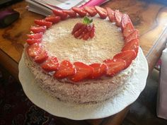 Happy B-day mum ♡ #cake #madebyme #homemade #madewithlove #dolci #fragole #cioccolatobianco