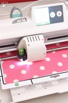 Great tutorial on cutting fabric with cricut machines. Has specific settings, what works and what doesn