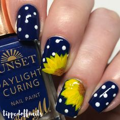 Nail art Christmas - the festive spirit on the nails. Over 70 creative ideas and tutorials - My Nails Wedding Acrylic Nails, Wedding Nails, Boxing Day, Nail Art Inspiration, Wedding Inspiration, Wedding Ideas, Chloe Nails, Sunflower Nail Art, Fall Nail Art