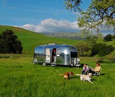 Airstreaming in Central Coast California - Best Warm-Weather Family Adventures Airstream Campers, Vintage Airstream, Vintage Caravans, Vintage Trailers, Family Adventure, Adventure Travel, Surf Trip, Surf Travel, Kelp Forest