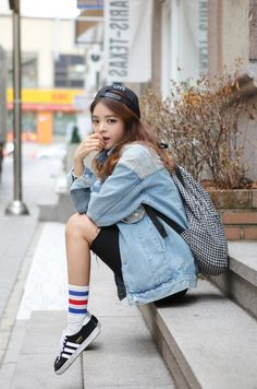 I really like the street look with the oversized denim jacket.