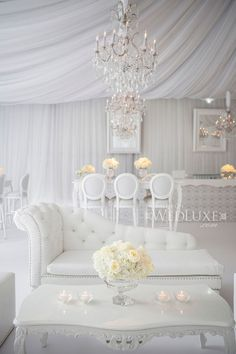 WedLuxe – Ashleigh & Steve | Photography by: Ikonica Follow @WedLuxe for more wedding inspiration!