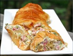 ham and broccoli wrapped in puff pastry Cookbook Recipes, Cooking Recipes, Healthy Recipes, Cheese Pies, Ham, Main Dishes, Food And Drink, Turkey, Appetizers