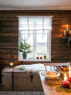 Winter Home Hygge Country Christmas, Christmas Home, Merry Christmas, Vibeke Design, Homemade Home Decor, Cozy Cabin, Cabins In The Woods, Scandinavian Christmas, Rustic Interiors