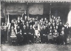 """Σύλλογος Βλάχων Προσοτσάνης """"Οι Γραμμουστιάνοι""""-Βλάχικος Γάμος στην Προσοτσάνη του Γεωργίου και της Ζωίτσας Πελέχρα το Φθινόπωρο του 1937 http://www.vlahoi.net"""