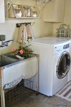 35 Fresh Rustic Farmhouse Laundry Room Decor Ideas - Home Decor For Fun Rustic Laundry Rooms, Laundry Room Wall Decor, Laundry Room Signs, Farmhouse Laundry Room, Laundry Room Organization, Laundry Tubs, Laundry In Bathroom, Small Laundry, Garage Laundry