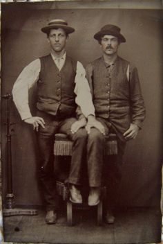 vintage everyday: LGBT Couples – Adorable Vintage Photos of Gay Lovers in the Victorian Era Vintage Couples, Vintage Love, Vintage Men, Retro Men, Vintage Beauty, Vintage Black, Lgbt Couples, Before Us, Gay Couple