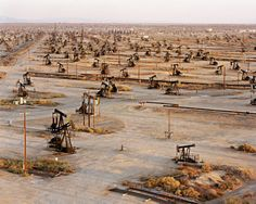 Edward Burtynsky - Oil Fields #19b  Belridge, California, USA, 2003