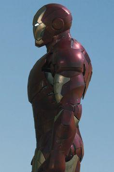 Iron Man Wallpaper, Marvel Wallpaper, Naruto Shuppuden, Iron Man 2008, Black Panther Art, Iron Man Armor, Star Trek Starships, Armor Concept, Ben 10