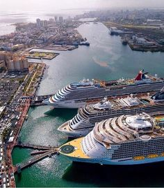 Royal Caribbean International, Royal Caribbean Cruise, Ocean Cruise, Cruise Port, Cruise Ship Pictures, Luxury Family Holidays, Best Cruise Ships, Harmony Of The Seas, Cool Boats