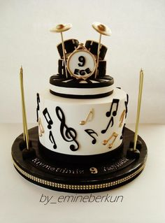 Bateria cake Drum Birthday Cakes, Funny Birthday Cakes, Piano Cakes, Music Cakes, Drum Cake, Guitar Cake, Fondant Cakes, Cupcake Cakes, Bolo Artificial