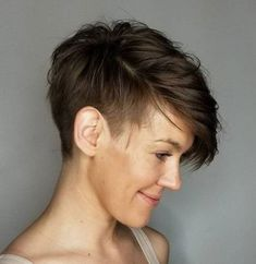 Soft Sideswept Shaved Cut 20 Statement Androgynous Haircuts for Women; Short Hair With Layers, Short Hair Cuts, Pixie Cuts, Short Pixie, Pixie Hairstyles, Straight Hairstyles, Short Brown Hairstyles, Short Sassy Haircuts, Popular Short Hairstyles