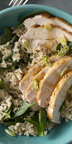 Brown Rice Bowl With Turkey  - Our delicious dinners make it a cinch to eat nutritious meals all week long