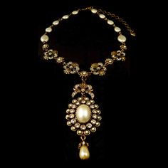 """Pearl & Crystal """"Bow"""" Necklace 