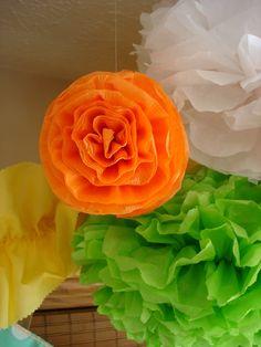 Fleurs pompons en papier crépon - (provient d'un blog fermé)