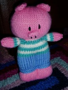 Piggywig Toy (Free Knitting Pattern)
